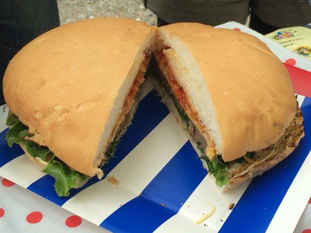 ミートガイ|巨大ハンバーガー