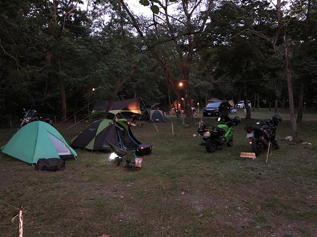 バイクでキャンプ場